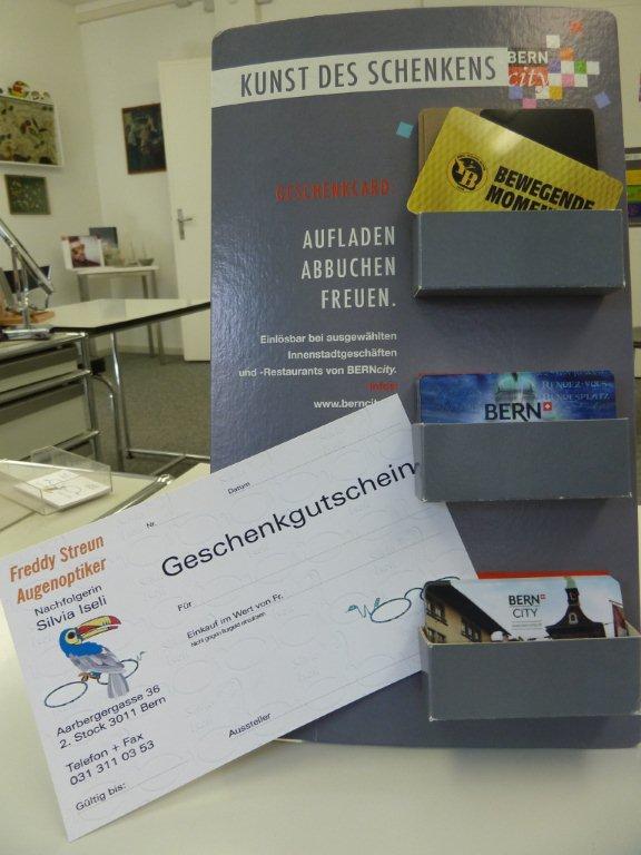 Erhältlich sind auch Geschenkkarten von Streun Optik und von BernCity